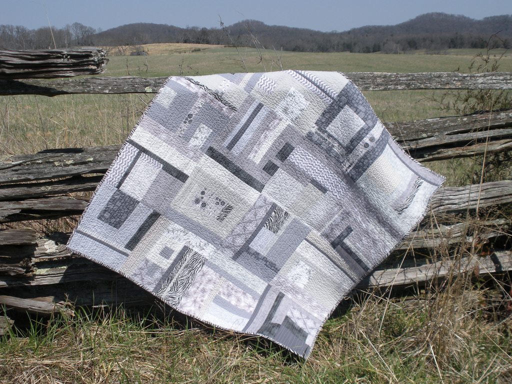 100 Days – Week of Color – Featured Quilt 4 – The Modern Quilt Guild : one color quilts - Adamdwight.com
